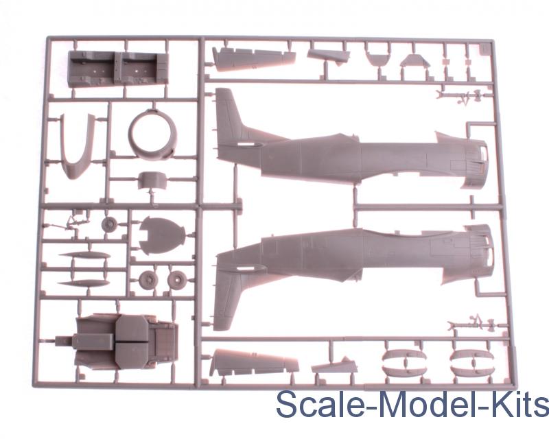 Roden 441 North American T-28B Trojan in 1:48